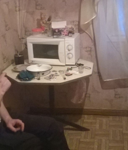 Полицейские накрыли наркопритон в Карпинске