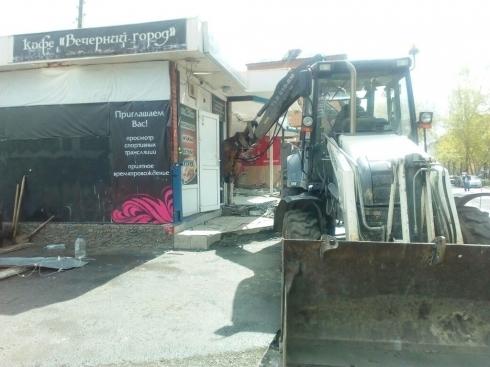 В Екатеринбурге бизнесмен незаконно построил магазин и кафе