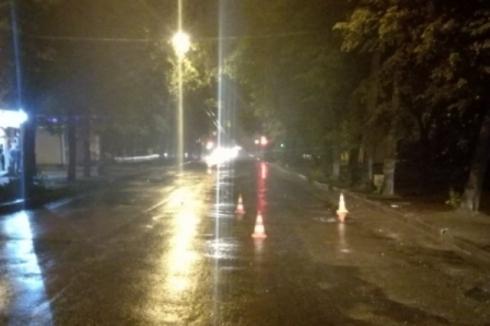 Екатеринбургская полиция ищет водителя, покалечившего женщину и скрывшегося с места ДТП