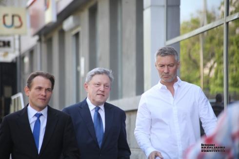 Вечерние слухи. Екатеринбург в ожидании президента