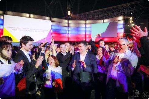 Евгений Куйвашев поздравил уральцев, завоевавших награды на чемпионате профессионального мастерства в Абу-Даби