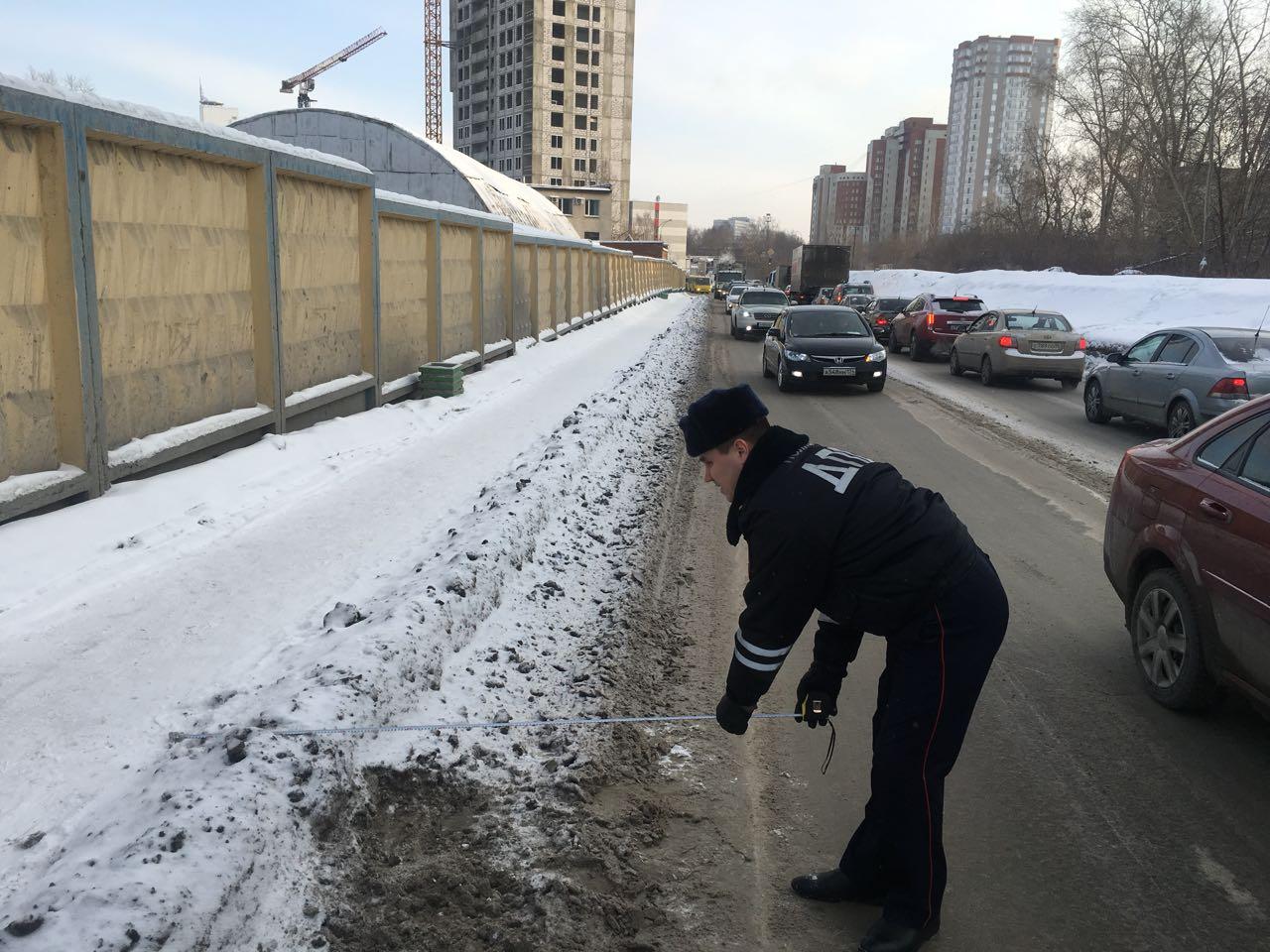 ГИБДД: в Екатеринбурге из-за плохой уборки дорог страдают люди